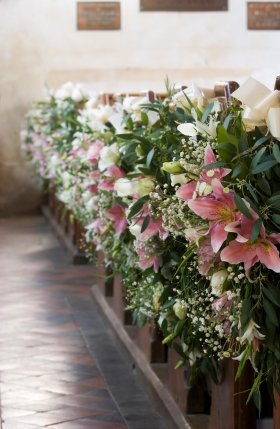 flowers for church wedding